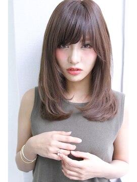 おすすめのセミロングの髪型|ストレート/前髪あり/前髪なし/黒髪