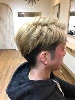 【hair design lotta】ツーブロックショート×ハイトーンカラー