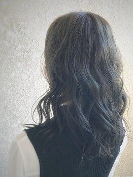 ヘアーワークス ジジ(HAIR works JIJI)の写真/髪質や骨格、ファッションにフィットした提案で、理想の髪色が叶う♪透明感・艶も出る上品な色味が人気☆