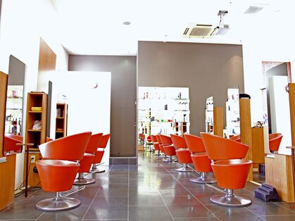 エスアンドエフ美容室 アピタ店(S&F)の写真