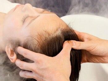 ファーレ Life Beauty店(Fare)の写真/髪と頭皮のケアはもちろん、肩コリ、頭のコリ、目の疲れにも…忙しい毎日に極上のリラックスタイムを―。