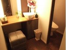 美容室 プラテ(platte)の雰囲気(レストルームなのに、居心地良く化粧直しも出来ちゃう!)