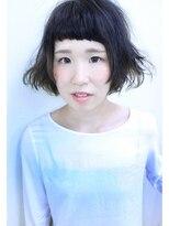 ロベック モトヤマ(Lobec MOTOYAMA)泳ぐような毛先と印象的な前髪スタイル