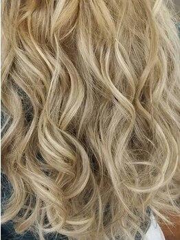 ロワローズ(Roi rose)の写真/【全員/40本◆¥7970円~】人毛100%最高級シールエクステ!触り心地&高品質、地毛に馴染みやすい♪