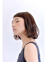 ヒステリア 原宿店(HYSTERIA)短め前髪と毛先のニュアンスがノスタルジックな前上がりボブ
