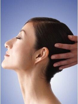 サロン ド レクラン(Salon de L'ecrin)の写真/《ヘッドスパMENU豊富》ライト/レギュラー/プレミアム…お客様の髪や頭皮の状態に合わせてご提案します!!