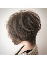 エフィル(efil.)【efil. Hair design】大人ハイライトショートスタイル