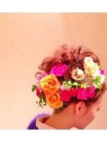 成人式のフラワーヘアセット画像