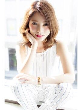 小顔に見える髪型 ミディアム イノセントカラーで透明感アップ☆