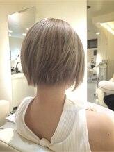 インプルーヴ アートスタイルヘアー(imProve Art style hair)外国人風3Dスマートマッシュボブグレージュヘアー♪