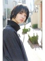 テテ ニコ(tete nico)黒髪でも透明感のある丸みショートボブ。