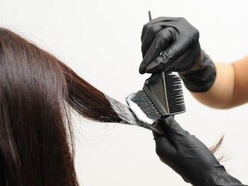 ヘアアンドアイラッシュ リンカ(HAIR&EYELASH LINKα)の写真/milbonのオルディーブシリーズで地肌や髪に優しくしっかり染め上げます!大人の艶感をあなたに☆