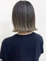 ルッツ(Lutz. hair design)ハイライトグラデージョン