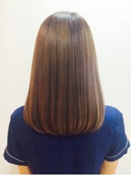 ヘアーデフィ(Hair Defi)の写真/炭酸シャンプーと炭酸泉の《W炭酸効果》で頭皮リセットからの栄養補給が可能♪髪の乾燥が気になる方へ☆