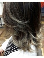 コレット ヘアー 大通(Colette hair)ホワイトハイライト