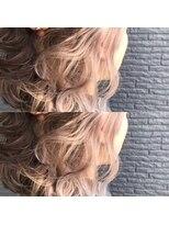 ヘアアンドビューティー クローバー(Hair&Beauty Clover)white beige