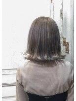 リタへアーズ(RITA Hairs)[RITA Hairs]外ハネボブxシルバーアッシュxOLAPLEX