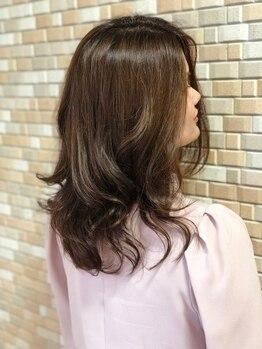 ヘアーショップウィッシュ(Hair shop wish)の写真/頭皮に優しいカラー剤を使用。周りと差が付く最旬カラーもこだわり薬剤と高技術でダメージレスに♪