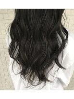 透ける黒髪風カラー × ロング