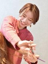 【stylist】MANAMI [得意な施術/デザイン]ショート.ハイトーン[オススメメニュー]カットカラー+oggiottoTR