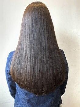 クレオヘア インターナショナル 八丁堀店の写真/くせ毛やうねりが気になる方必見!髪のダメージを抑えて施術★髪質改善ストレートで美髪へ導きます♪