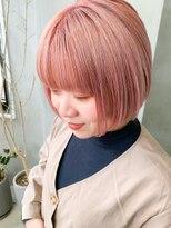 テトヘアー(teto hair)ワイドバング、前下がりボブ、ピンクブエージュ、うすピンク