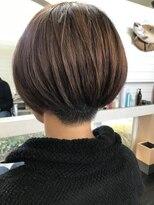 刈り上げショートヘア