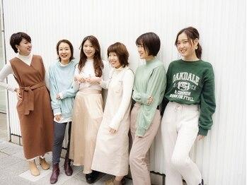 プラグ バイ ネオリーブ(plug by neolive)の写真/【横浜駅4分!】経験を積んだベテラン女性スタイリストが担当!同じ女性だからなんでも気軽に相談しやすい♪