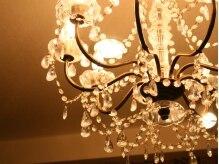 セラフィム ネリネ(Seraphim nerine)の雰囲気(アンティークな家具で統一されたオシャレ空間★くつろげます♪)
