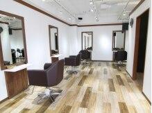 美容室 プラセル(Plaser)の雰囲気(隣の席との間隔が広いので、周りを気にせずリラックスできます♪)