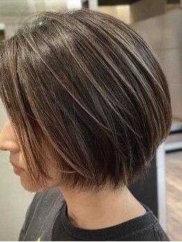 アート ヘアーライド 石山店(Art hair RIDE)の写真/ダメージレスなグレイカラーで自信がもてる髪色に♪通いやすいプライスと寛ぎ空間が人気のArt hair RIDE
