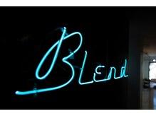 ブレンド(blend)の雰囲気(ネオン管のマークが今時女子を演出【BLend 渋谷】)
