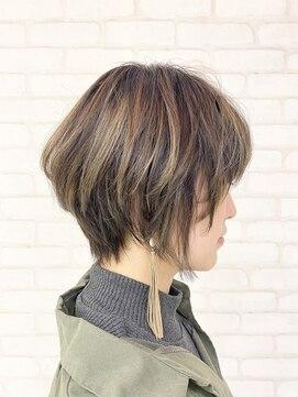 ビス ヘア アンド ビューティー 西新井店(Vis Hair&Beauty)20代30代大人可愛い前下がりショートハイライトアッシュベージュ