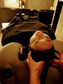 カネコ KANEKO美容室 田中店の写真/【マイクロスコープ使用/半個室】頭皮状態を知り、ヘアケアを◎アロマオイル×ナノスチームで栄養&潤いUP♪