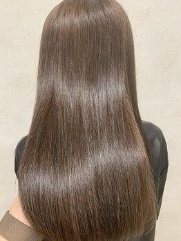 エレン(E L E N)の写真/【SNSで話題☆酸熱トリートメント取扱店】業界からも大注目されている髪質改善TR!見違える極上の髪質へ―