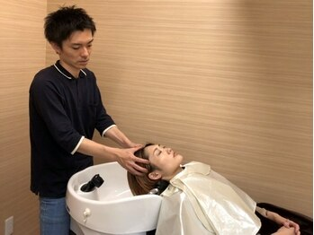 ウイバイファースト(u'i by first)の写真/【NEW OPEN★泉中央】頭皮から美を叶える!頭皮環境を整え髪のハリコシUPで輝くような美髪を手に入れて♪