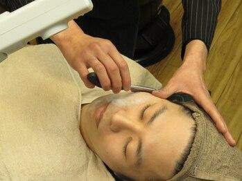 ヘアーポジションヤマモト 甲南店(Hair Position YAMAMOTO)の写真/【清潔感◎】丁寧で素早い顔剃りが大人気!見た目が好印象に!清潔感のあるデキル男に変身しませんか?