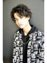 ミルシー(millci)millci 黒髪+スパイラル+センターパート=コケティシュミディ