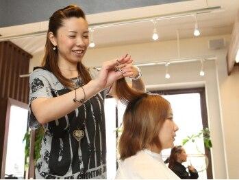 ヘアアンドネイル フラップ(hair&nail Flap)の写真/ネイルサロン併設のトータルビューティーサロン♪頼れる女性スタイリストがあなたのキレイをお手伝い★