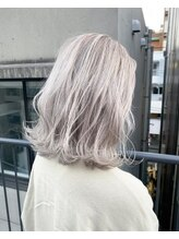 ジーナ(XENA)【光】White blonde
