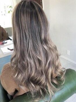 リノデザイン(LINO DESIGN)の写真/日常の中にアソビゴコロをそっと足すカラーならLINO DESIGN―。さりげないこだわりを髪の色で表して。