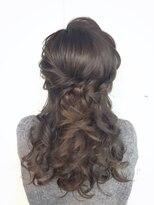 ヘアセットアンドメイクアップ シュシュ(Hair set&Make up chouchou)編み込みハーフアップ★巻き強め
