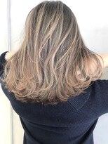 【EIGHT new hair style】バレイヤージュグラデーション