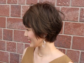 パパドゥ 安曇野店の写真/《白髪をカバーするだけじゃない、大人のお洒落を楽しむ上質カラー》ダメージレスで艶やかな仕上がり★