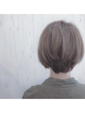 プロキシムヘアワークス(proxim hair works)大人カワイイショートボブ