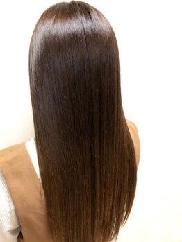ハーツヘアーズ 上安店(HEARTS hair's)の写真/今まで体験したことのない自然なまとまりと艶髪が叶う【酸性ストレート】誕生!気分が上がる仕上がりに♪