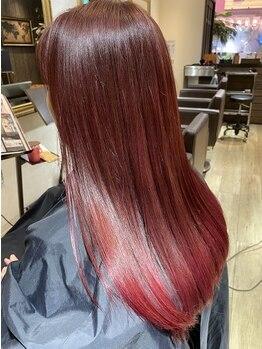 ヴォヤージュ(VOYAGE)の写真/春に映える髪色を演出《イルミナカラー》☆髪質を保護する話題のダメージレスカラー!お洒落を彩る…♪
