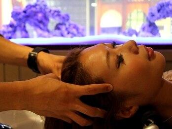 アルバ ヘアリゾート(ALBA)の写真/《三鷹1分》季節の変わり目だからこそ、ケア専門店ならではの<Aujuaヘッドスパ>頭皮から髪質改善◎
