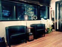 エンヴィー 町田(ENVY)の雰囲気(アーバンシックな落ち着いた内装とインテリアになっております。)