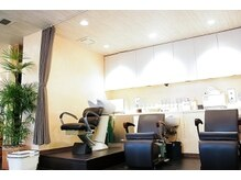 クレドガーデン 浦和店(CRED GARDEN)の雰囲気(お客様に合わせて2種類のシャンプー台をご用意してます!)